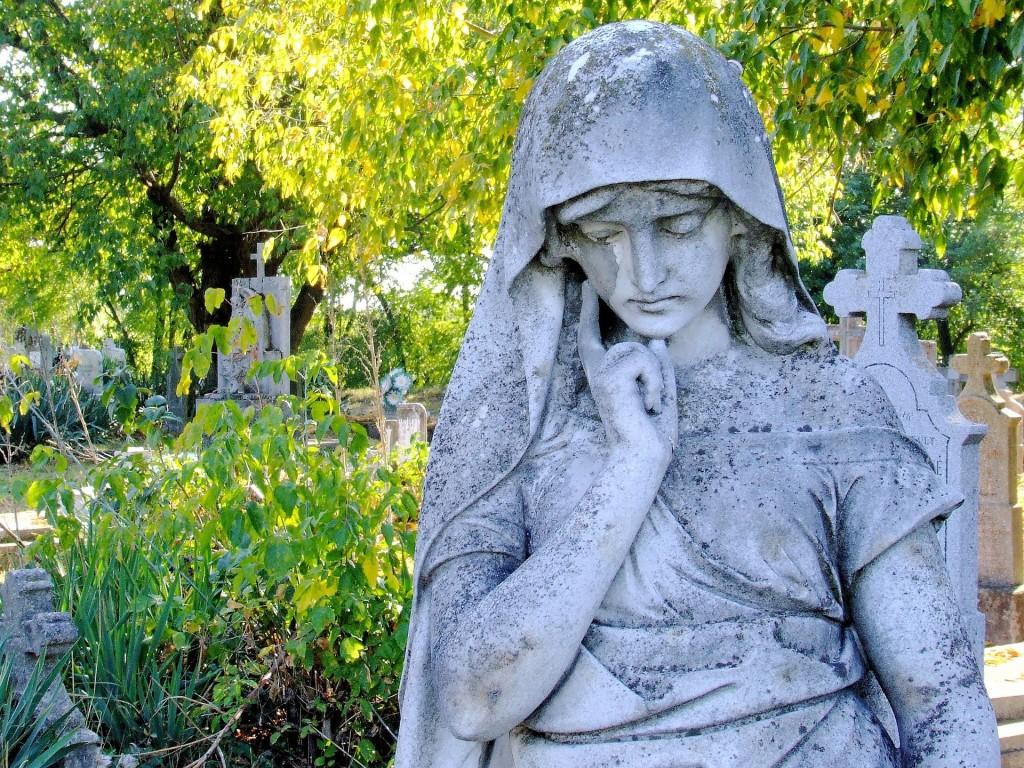 calvary-cemetery-895022_1920