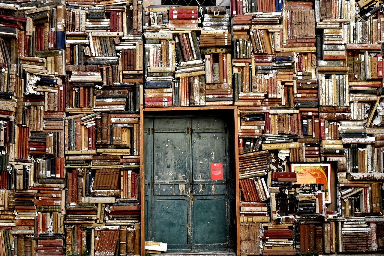 książki i drzwi